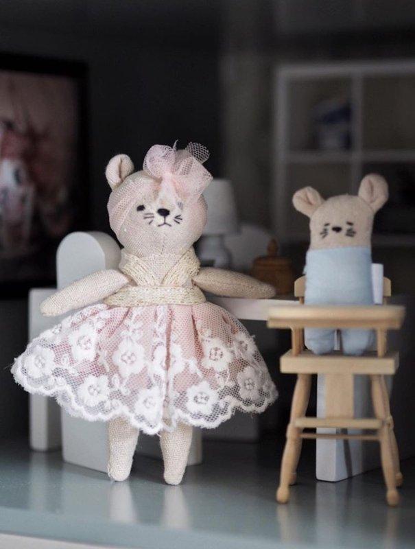 Dollhouse Family- set van 4