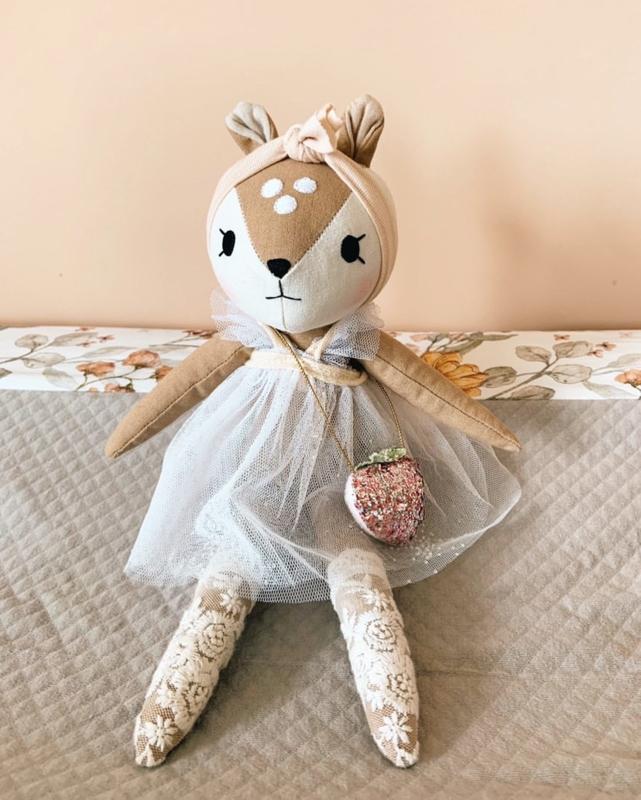 Fawn Doll, Strawberry bag