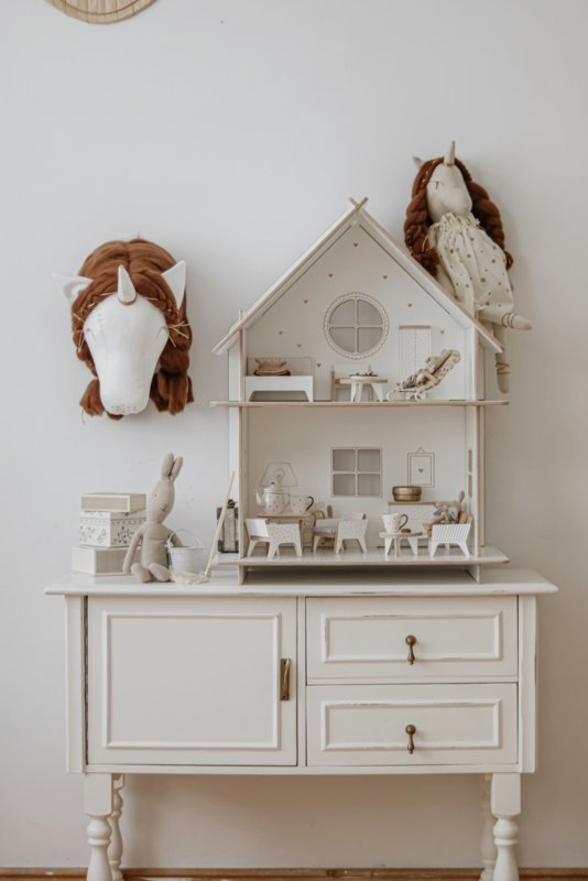 Dollhouse- White-Traditional
