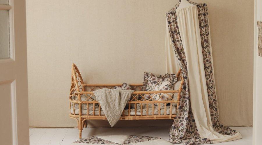 Bee-Sweet-canopy-babyroom-moimili-looksbyluks (4)